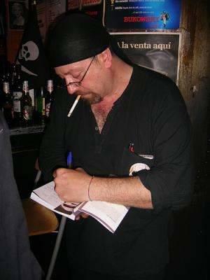¡Queremos a Carlos firmando libros en Granada!