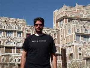 Hasta en Yemen, vestía to de Negra y Criminal
