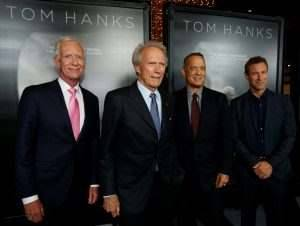 "Director of the movie Clint Eastwood (2nd L) poses with cast members Tom Hanks (2nd R), Aaron Eckhart (R) and Captain Chesley ""Sully"" Sullenberger at the premiere of ""Sully"" in Los Angeles, California U.S., September 8, 2016.   REUTERS/Mario Anzuoni - RTX2OR1Y"